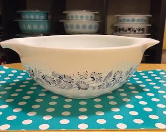 Pyrex Colonial Mist 443 Cinderella Mixing Bowl