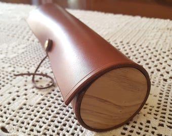 Estuche de madera y cuero hecho a mano. Estuche de cuero. Estuche de madera. Estuche de piel. Funda de gafas. Plumier.