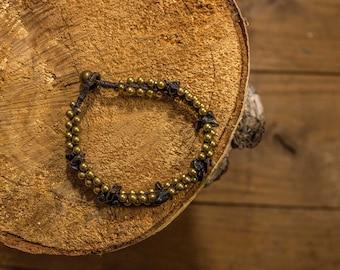 Bracelet black and gold elegant beaded macrame top/bronze//Tinkerbell