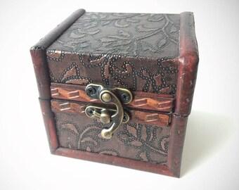 Cute Curio Box/ Jewelry Storage Box/ Home Decor