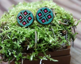 cross roads 16mm stud earrings