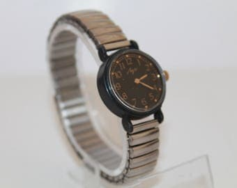 USSR Watch Luch 1801.Soviet MEchanical Watch For Women's.Gif Watch.Vintage Luch 1801.Small Watch for Ladies 1980s.Mechanism 16 Jewel watch.