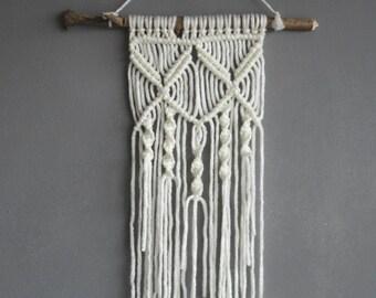 Macramé wall hanger | LIL BLOSSOM