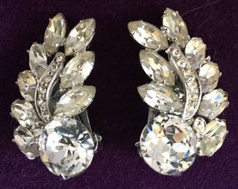 Vintage Earrings Weiss Clips With Clear Rhinestones & Silvertone Metal