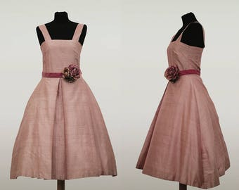 Abito Dress Handmade Vintage in pura seta, color rosa confetto candy pink, adornato con cinta in velluto, velvet belt