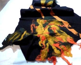 Felt shawl black & Orange