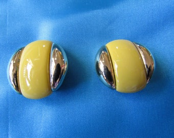 Vintage Nina Ricci Clip On Earrings