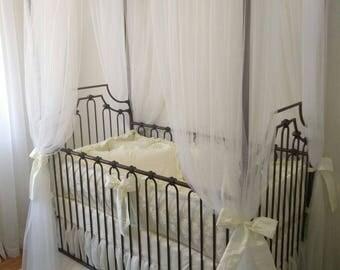 4 pc crib set Cream Damask