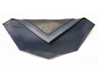 GEO clutch (Dark Blue)