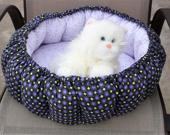 Cat bed, indoor cat bed, round cat bed, dog bed, fabric pet bed, purple cat bed, washable pet bed, pet bedding, stuffed pet bed, pet bed