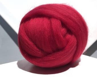Crimson Red Merino Roving, cool red wool roving, Needle Felting, Spinning Fiber, blue red Merino roving, w 3 free fiber samples