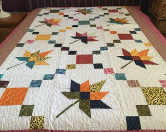 Spring time Twin size Maple leaf Patchwork Machine quilt