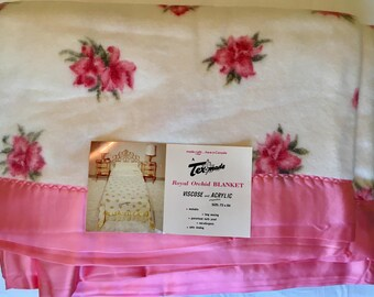Pink Rose Blanket - New Unused - Full Acrylic Quilt - Vintage Roses - Pink Roses