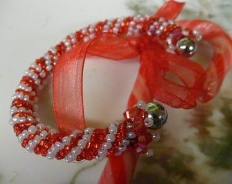 candy cane bangle bracelet red and white seed beads and crystals