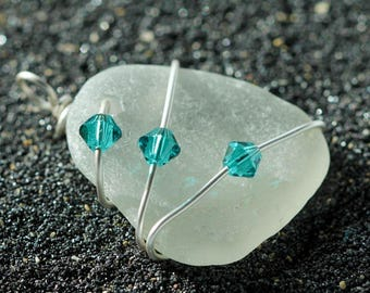 Sea Glass pendant - Sea glass jewelry - Bridal jewelry - Wire Wrapped pendant - Beach glass jewelry - Clear sea glass  - Gift beach lover