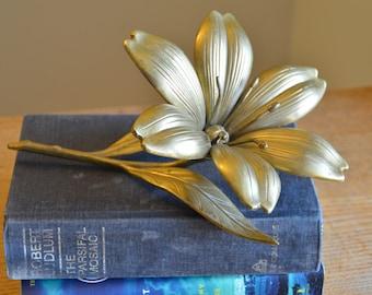 Large vintage brass flower decoration, coffee table decor, floral figurine