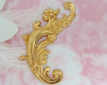 BRASS * Medieval Bird Flourish Scroll Ornate Corner Stampings ~ Jewelry Ornament Findings (FB-6089)