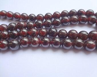 "8mm Natural Garnet Round Semi Precious Gemstone Beads - Half Strand (7.5"")"