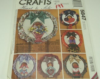 McCall's Crafts Heart And Sole Pattern 5847 Seasonal Wreaths
