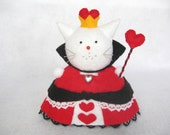 Queen of Hearts cat, Felt cat pin cushion, Cute felt kitty cat collectable, Literary cat gift, Gift for book lover, Gift for cat lover, MTO
