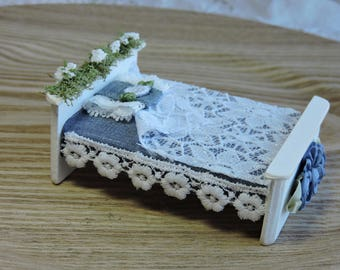Blue and White Miniature Fairy bed