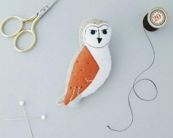 felt barn owl brooch - bird jewellery- owl gift