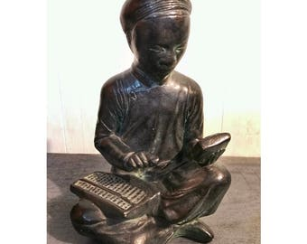 vintage mid century Asian man sculpture - Austin Products Durastone - chinoiserie decor