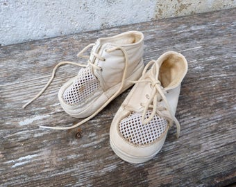 Vintage French 1950/1960s white  baby shoes leather & filet