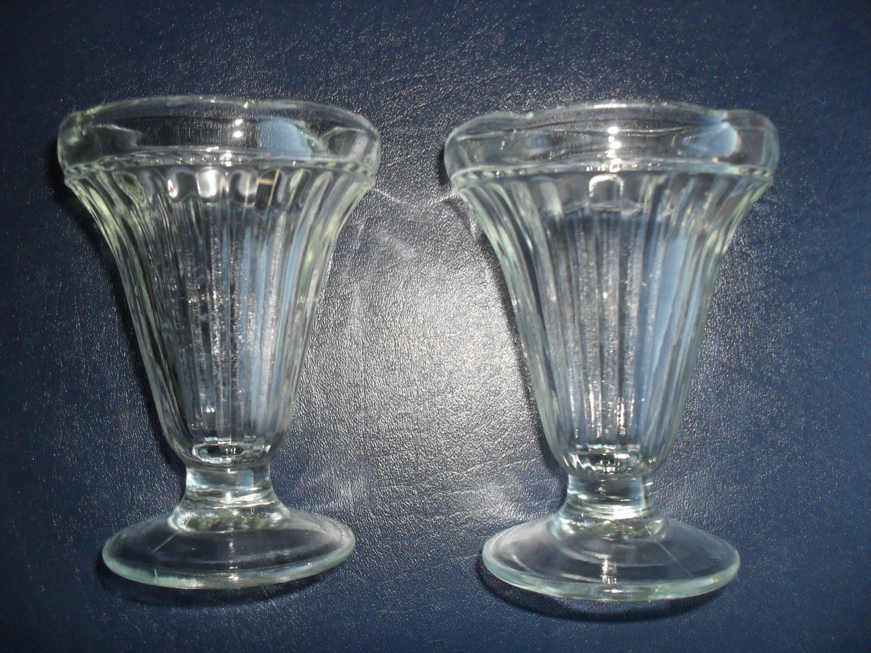soda fountain ice cream sundae milk shake glasses set of 2. Black Bedroom Furniture Sets. Home Design Ideas