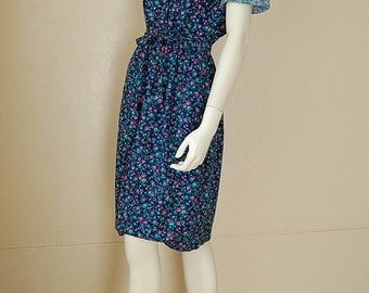 sale 25% rainy days sale Prairie Dress Vintage 70s Dark Blue Calico Floral Prairie Boho Cotton Day Dress (s m)