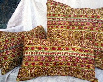 Silk Sari Pillow Covers Gold Yellow Red Vintage Saree Silk Set of 3 Pillow Covers Lined Indian Sari Printed Pure Silk Assorted Pillow Cases