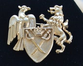 "Lovely Vintage Royal Crest Brooch, Gold tone, Bird, Lion, Shield, ""Mimi Di N 1985"" (AO14)"