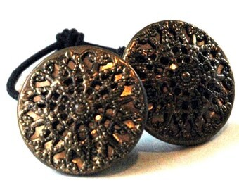 Decorative Hair Tie Made with Vintage Brass Buttons, Intricate Filigree Pattern, Fancy Metal Ponytail Holder, Elastic Hair Bands