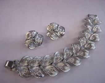 coro bracelet earrings set  ( D 97 )