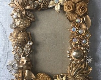 "3""x5-1/2"" Vintage Jewelry Assemblage Photo Frame"