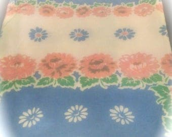 Vintage Tablecloth / Cotton Tablecloth / Vintage Table Linens / Retro Kitchen Linens / Pastel Floral / 39 x 29 Print Tablecloth