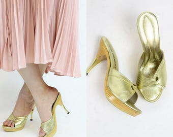 60s Shoes Mules Wood Platforms Size 5.5   / 1960s Vintage Slides Gold  /  Gams to the Moon Peep Toes