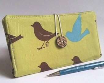Green CHECKBOOK COVER in Birds Print - Little Wrens