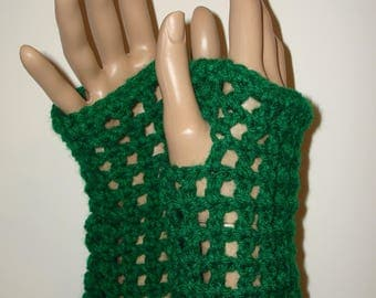 Crochet Kelly Green Springtime Fingerless Gloves Wristers/Texting Glove Wristers/Womens Accessories/Armwarmers/Summer Fingerless Gloves