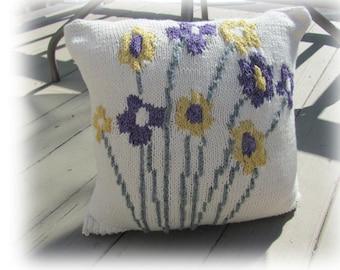 New! Knit Pillow Pattern -Flower Bouquet