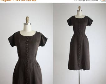 25% SALE 1960s hazelnut dress