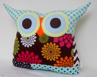 Sale /Patchwork/owl decor /for him/ Green /blue/polyfil Stuffed little owl pillow/decoration/express shipping