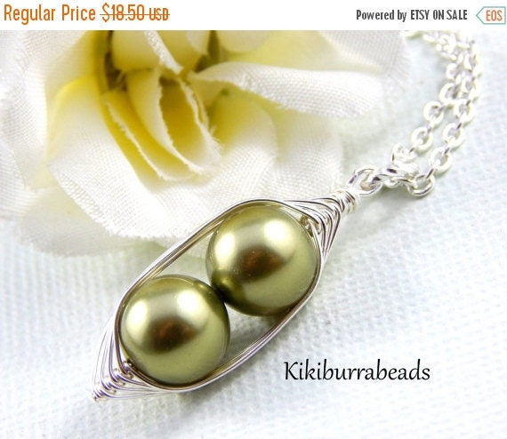 Christmas Sale peas in a pod, Two Peas In A Pod Silver Necklace, Wire Wrapped necklace, Green Peas in a pod, mother necklace, sister necklac