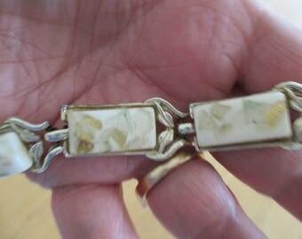 Vintage costume jewelry  /  thermoset bracelet