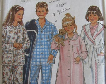 SALE- New Look 6585/Sewing Pattern/Children's Pajamas/Nightshirt/Robe/Sleepwear/Chest Size 22-27/Boys/Girls/Kids