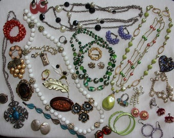 Vintage Jewelry Lot // Costume Jewelry // Necklaces Bracelets Brooches Earrings // 34 Pieces