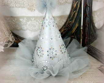 Shimmering Lights. Bejeweled Party Hat in Light Grey and Silver