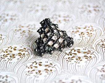Vintage Jewelry Diamond Pin Brooch Pyramid Triangle 1940s Rhinestone Geometric Elegant.