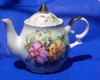 Musical Foam Green Teapot Lefton Japan