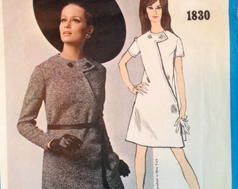 Super Mod Asymmetric A Line 60s Dress Pattern Vintage Vogue Americana 1830 34 bust
